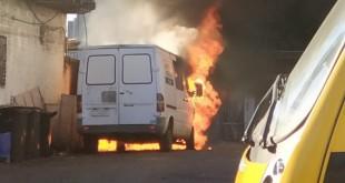 POLICIAL - Incêndio Carro Prefeitura 01